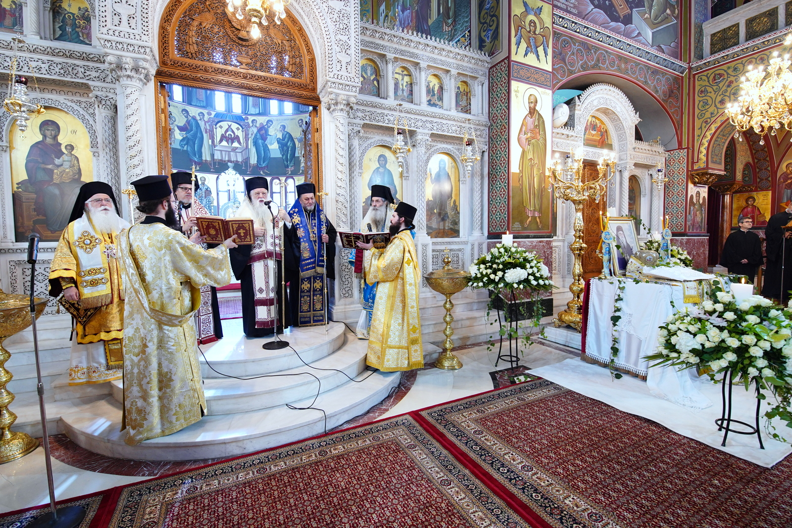Τελέστηκε στον Καθεδρικό Ι.Ν.Αγ.Τριάδος Πειραιώς το ετήσιο μνημόσυνο του μακαριστού Μητρ. πρ.Πειραιώς κυρού Καλλινίκου.