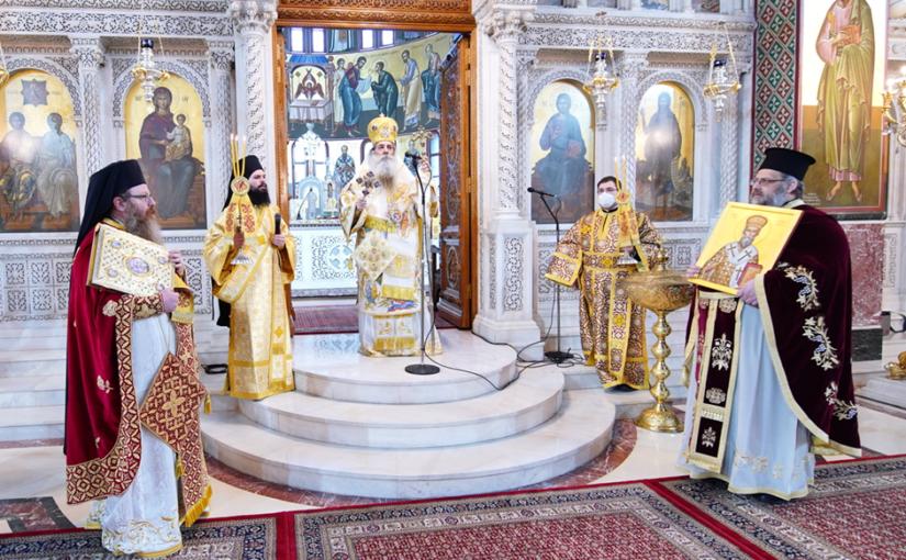 Η Κυριακή της Ορθοδοξίας στον Καθεδρικό Ιερό Ναό Αγίας Τριάδος Πειραιώς.